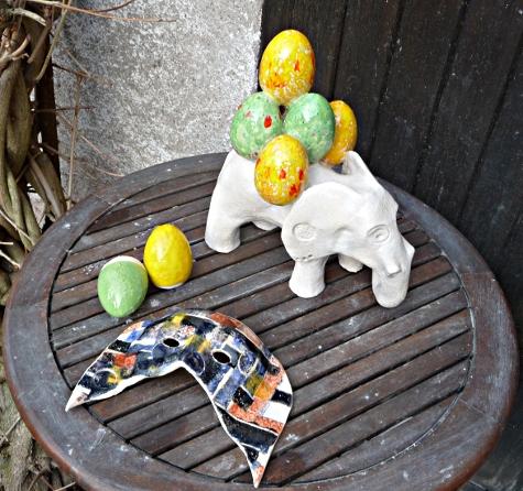 secrets de four 49 : éléphant de pâques, masque, oeufs